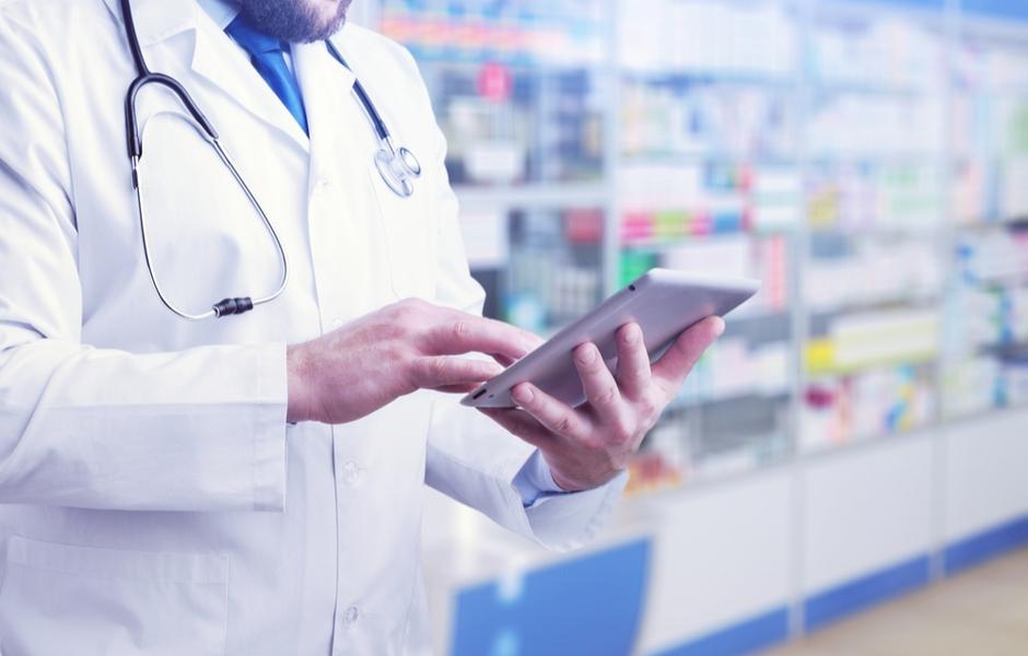 provider using tablet